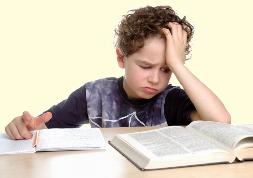 мальчик не хочет учиться